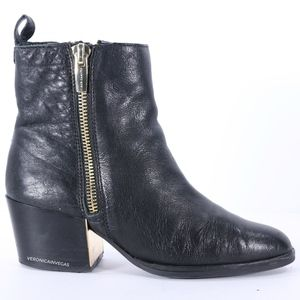 VINCE CAMUTO BLACK LEATHER ANLKLE BOOT SIZE 8.5